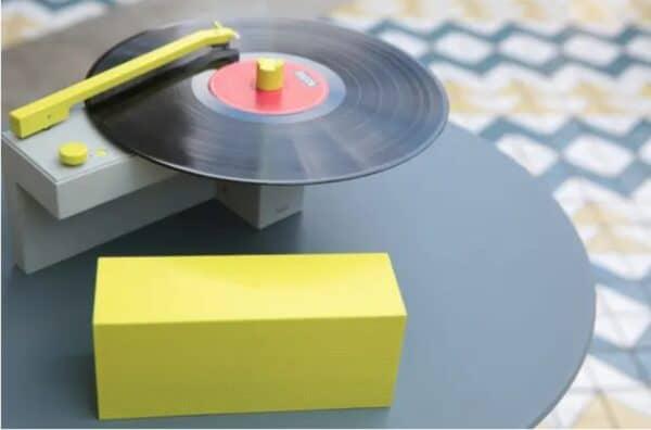 Компактный проигрыватель виниловых пластинок DUO