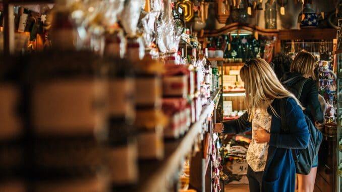 Как открыть магазин подарков и сувениров