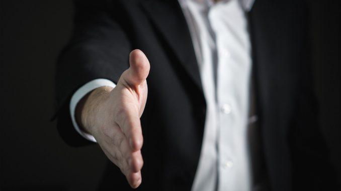 Оказание услуг по бизнесу юридическим лицам