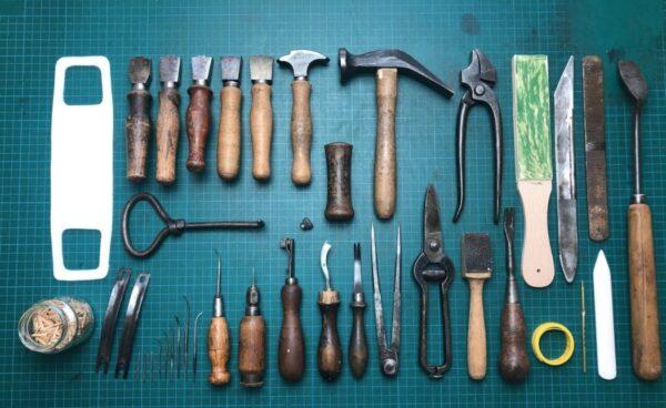 набор инструментов для сапожника