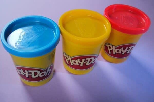 Вариант пластиковый упаковки пластилина